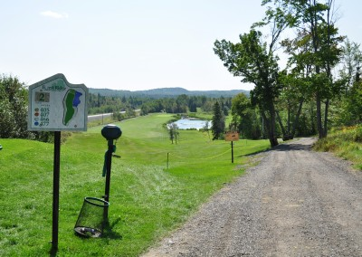Forest Ridge Golf & Country Club - Nature golf path.