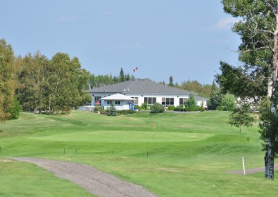 Side image of main house and banquet facility at Forest Ridge Golf & Country Club in Chelmsford, Greater Sudbury